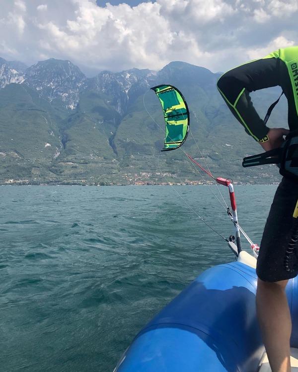 Slingshot - Lago di Garda Corsi Base, corsi partenze e navigazione e corsi Freestyle