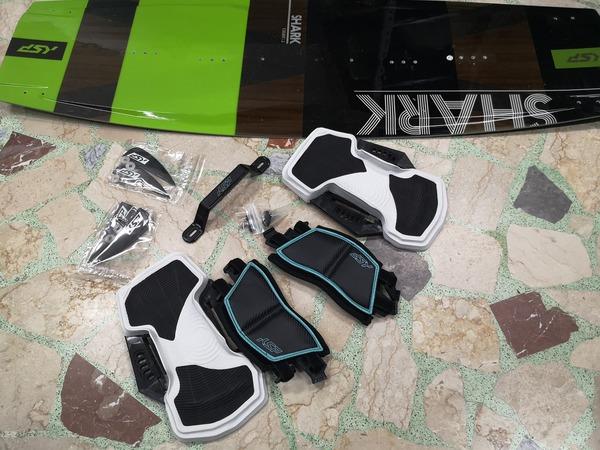 KSP - Tavola SHARK V2 135x41,5 come nuova Completa di accessori nuovi